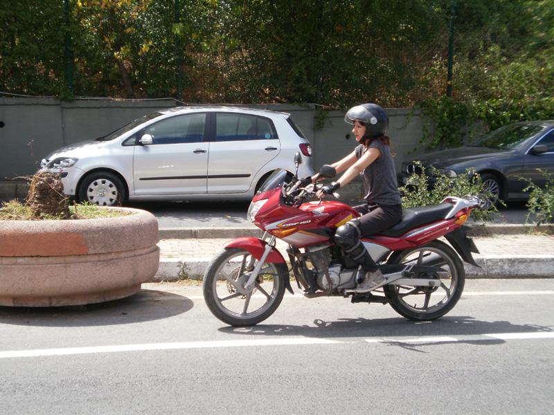 MOTOSİKLET ÜZERİNDEKİLERE ÖNERİLER.